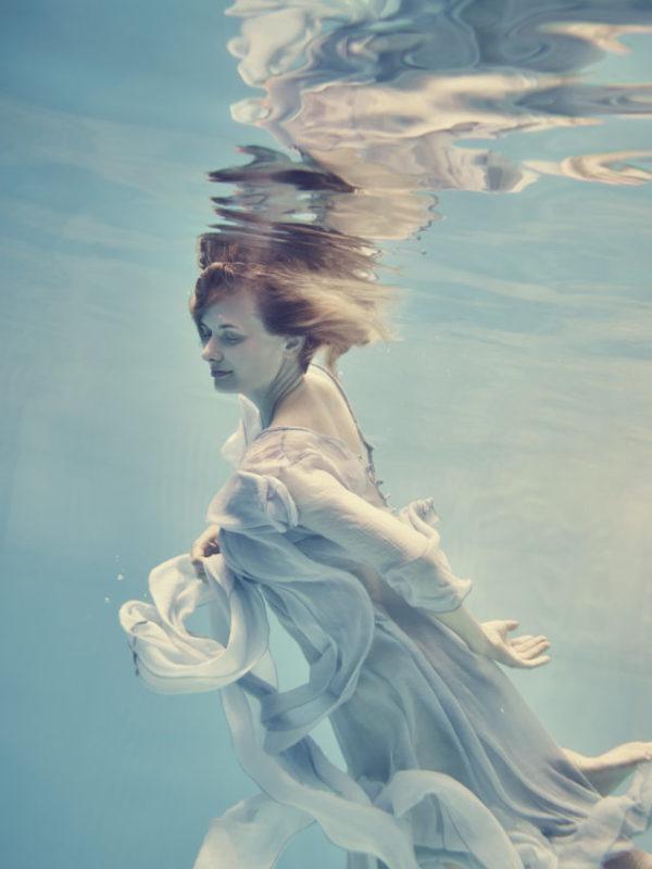 水中ドレス撮影